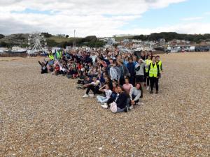 Jahrgang am Strand von Hastings